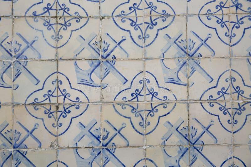 Traditionella utsmyckade portugisiska dekorativa tegelplattor arkivbild