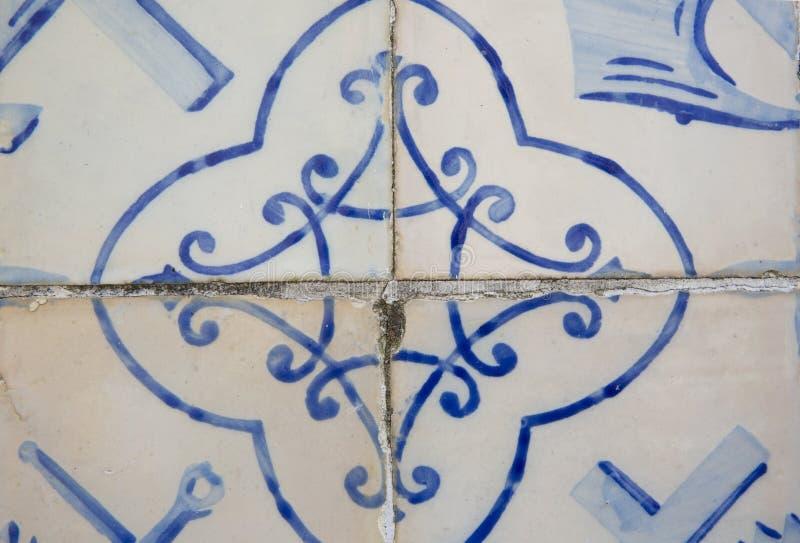 Traditionella utsmyckade portugisiska dekorativa tegelplattor arkivfoto