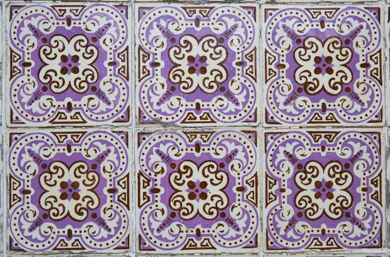 Traditionella utsmyckade portugisiska dekorativa tegelplattor royaltyfria bilder