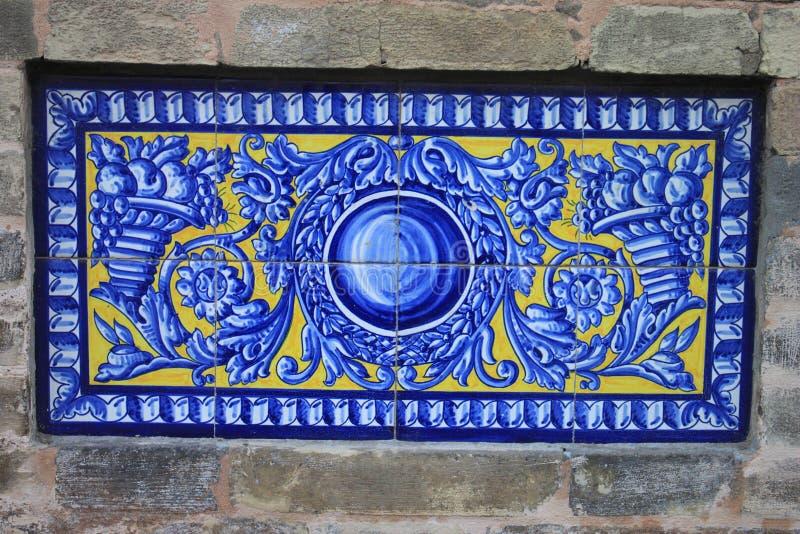 Traditionella utsmyckade tegelplattor royaltyfri bild