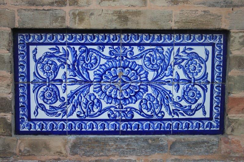 Traditionella utsmyckade tegelplattor royaltyfri fotografi
