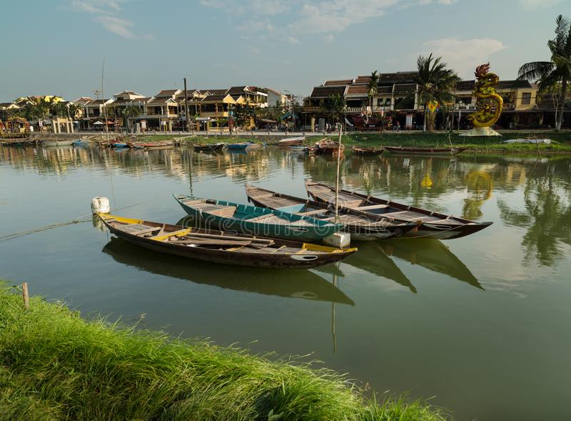 Traditionella Vietnam fartyg, Hoi An stad, Vietnam arkivbild