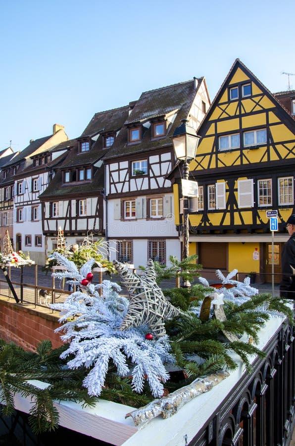 Traditionelle, alte, bunte Häuser in Colmar während des Winters, Elsass, Frankreich lizenzfreies stockbild