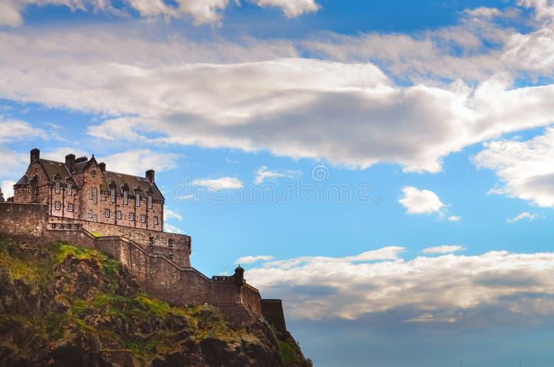 Traditionelle alte Häuser in Edinburgh ziehen sich, Schottland zurück stockfotografie