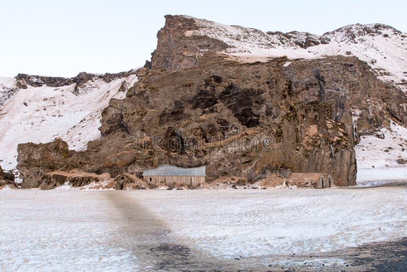 Traditionelle, alte isländische Rasen-Häuser stockfotos