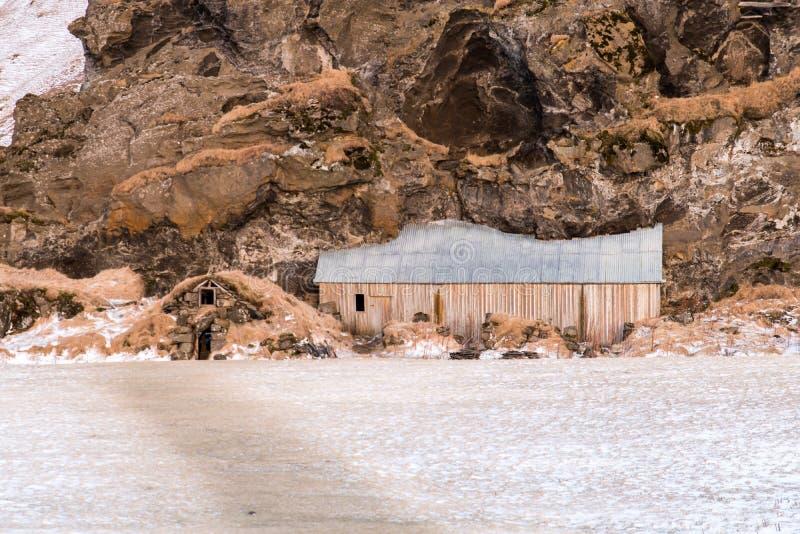 Traditionelle, alte isländische Rasen-Häuser lizenzfreie stockfotografie
