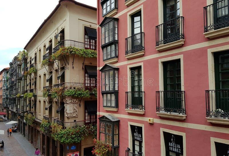 Traditionelle Architektur in Bilbao Spanien lizenzfreies stockbild