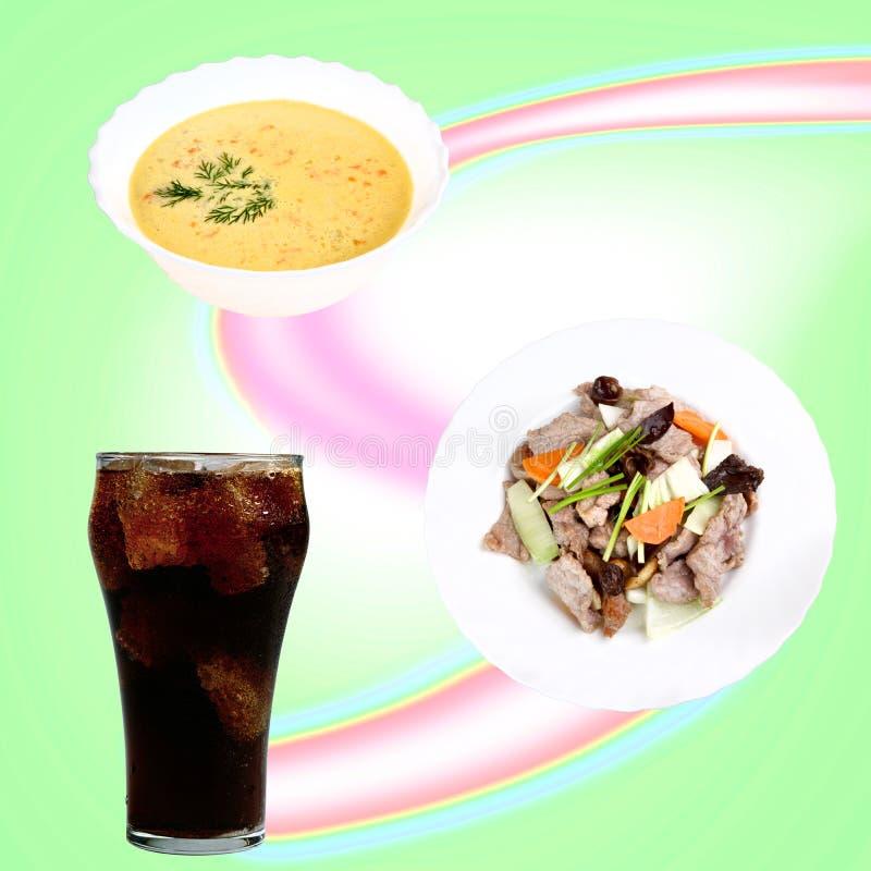 Traditionelle asiatische Teller und Getränke stockfoto