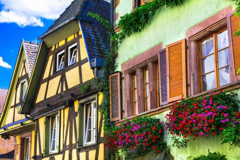 Traditionelle bunte Häuser Riquewihr-Dorf in Elsass, Frankreich lizenzfreies stockfoto