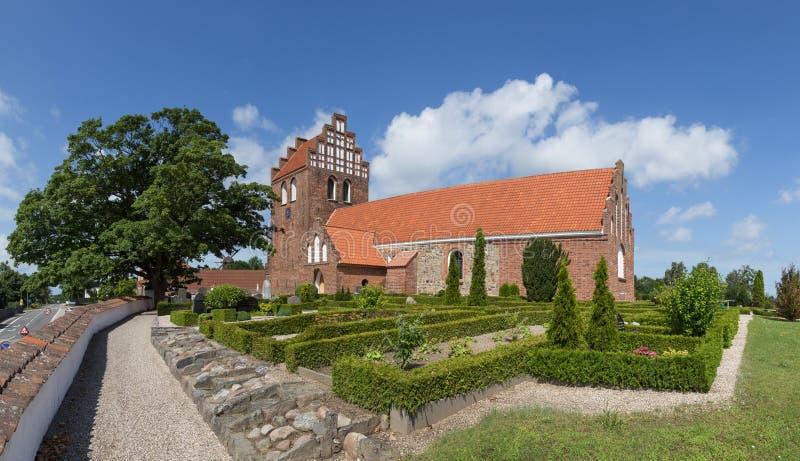 Traditionelle dänische Kirche in Melby lizenzfreies stockbild