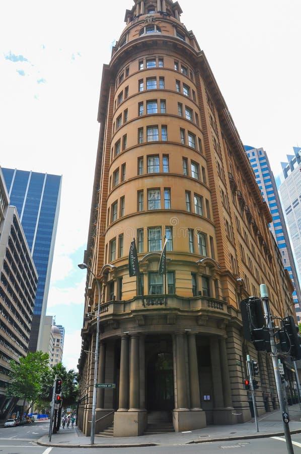 Traditionelle Erbarchitektur und ein Weinlesesandsteinfassadengebäude des Radisson Blu Plaza Hotel Sydney lizenzfreies stockbild