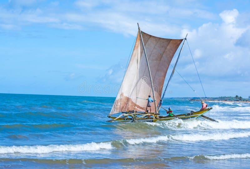 Traditionelle Fischenkatamaran Sri Lankan stockbild