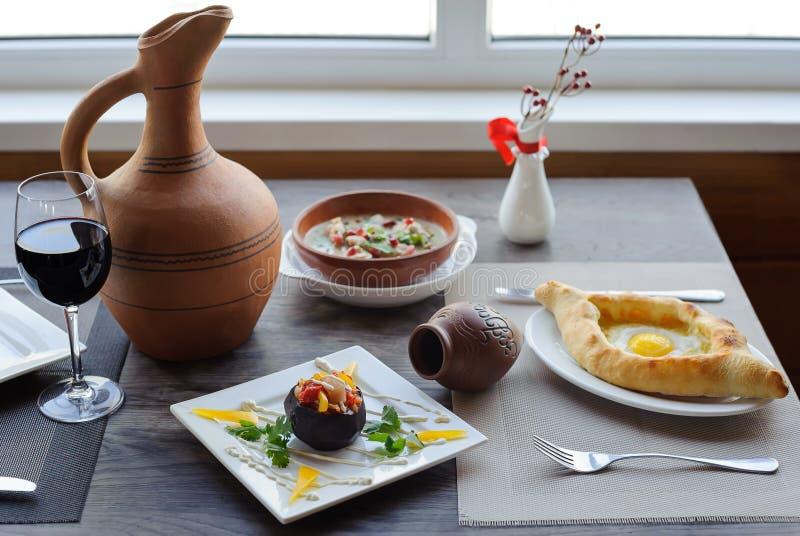 Traditionelle georgische Küche stockfoto