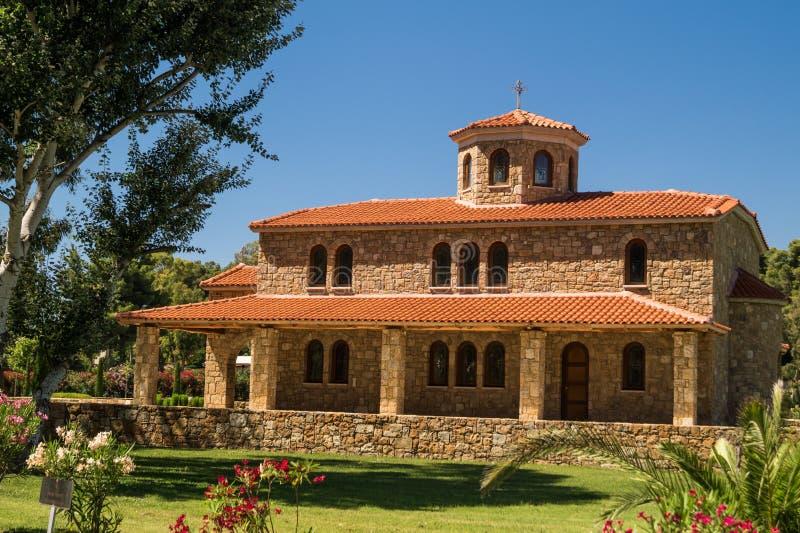 Traditionelle griechisch-orthodoxe Kirche gelegen bei Halkidiki lizenzfreies stockbild