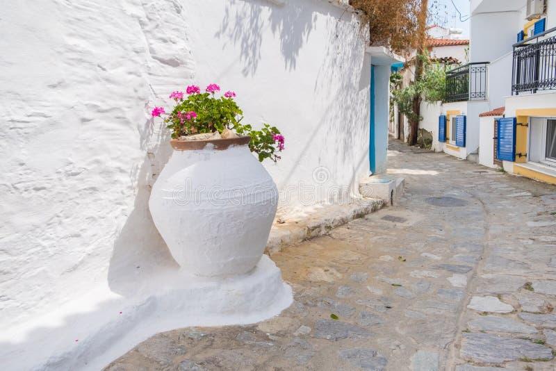 Traditionelle griechische Straße lizenzfreie stockfotos