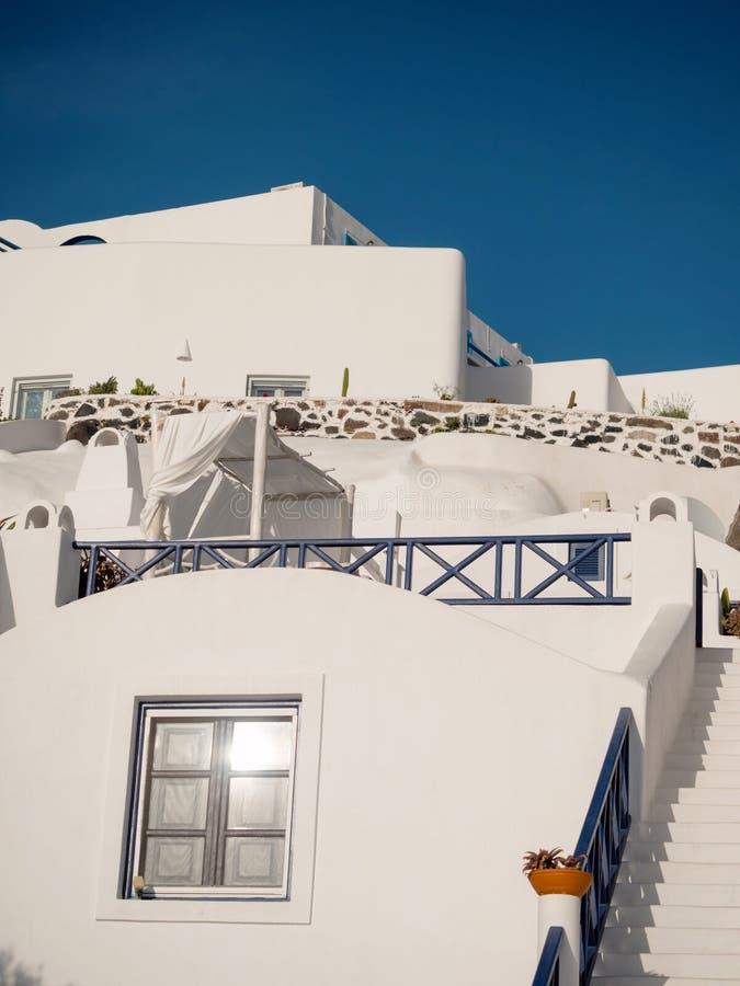 Traditionelle Häuser in Santorini-Insel lizenzfreie stockfotos