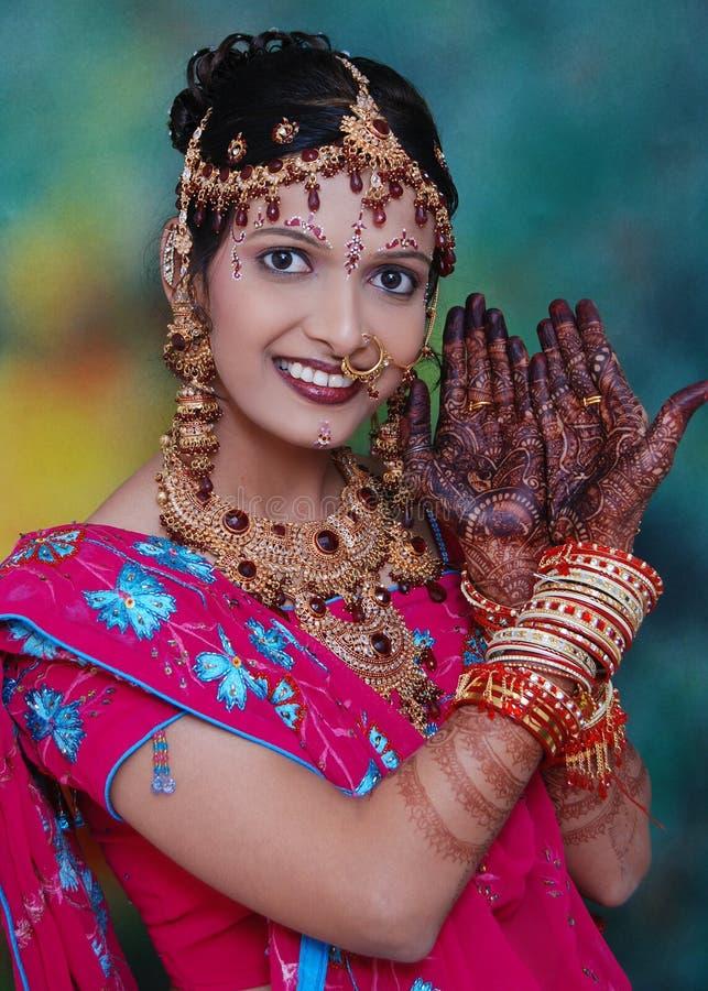 Traditionelle indische Frau lizenzfreie stockbilder
