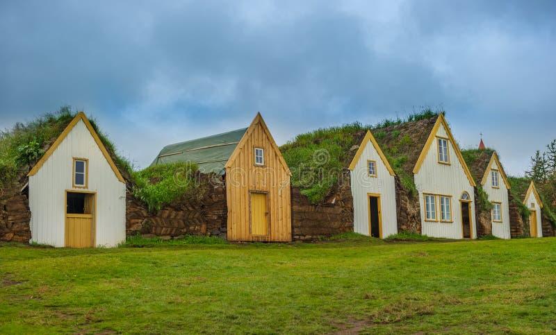 Traditionelle isländische Rasenhäuser, Glaumbaer-Museum stockbilder