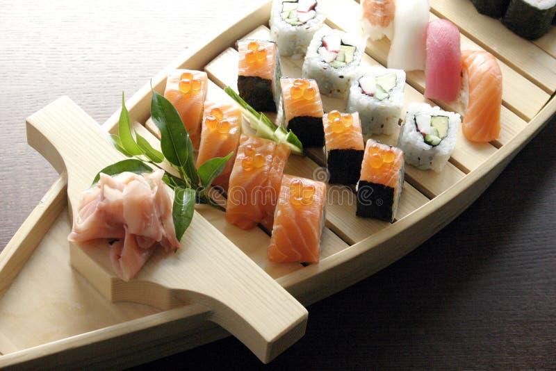 Traditionelle japanische Nahrung der Sushi stockbild