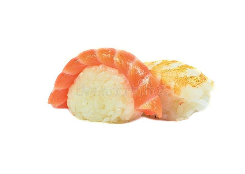 Traditionelle japanische Sushi mit Lachsen und Garnelenmakro- oder -abschluß oben lokalisiert auf Weiß lizenzfreie stockbilder