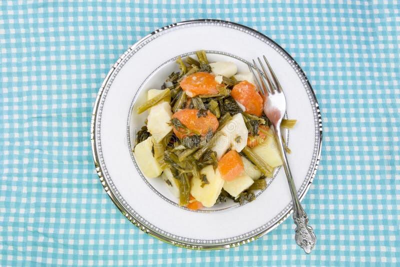 Traditionelle köstliche türkische Nahrungsmittel; Sellerie mit Olivenöl stockbilder