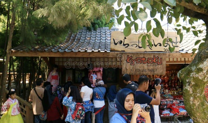 Traditionelle Kimono-Miete stockbild