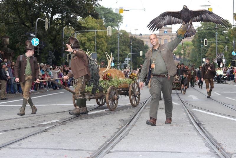 Traditionelle Kostümparade in München-Bayern stockfoto