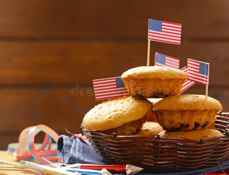 Download Traditionelle Lebensmittelmuffins Stockfoto - Bild von viertes, feiertag: 90236044