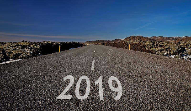 Traditionelle leere, ruhige, ruhige, saubere, schöne, großartige Straßen von Island unter Märchenlandschaften Der Ring Road Route stockbild