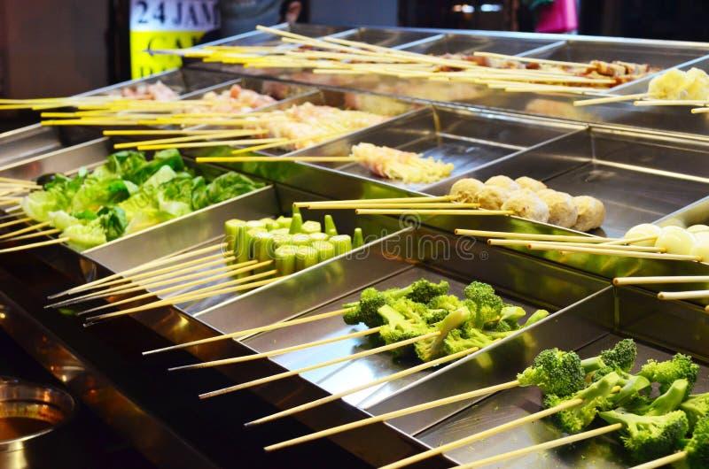 Traditionelle Malaysia-Straße Lebensmittel genannter Lok Lok lizenzfreie stockfotos