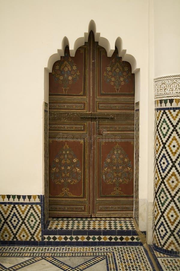 Traditionelle marokkanische Tür stockfotos