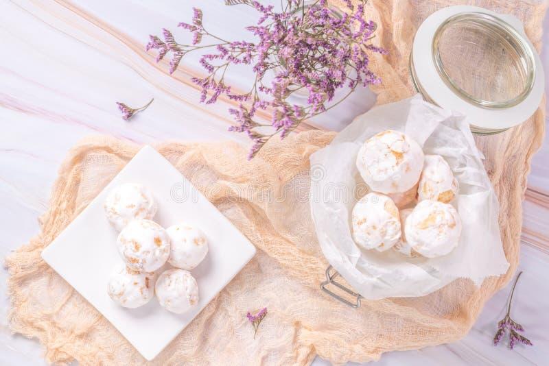 Traditionelle portugiesische Bonbons beijinhos, regionaler Bonbon von Pombal, Portugal lizenzfreies stockfoto