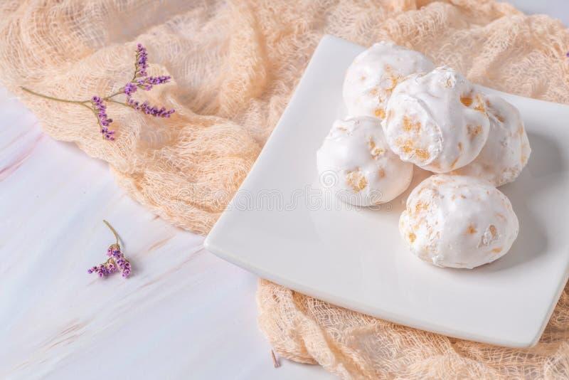 Traditionelle portugiesische Bonbons beijinhos, regionaler Bonbon von Pombal, Portugal lizenzfreie stockfotos