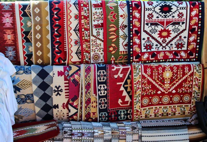 Traditionelle rumänische Teppiche lizenzfreie stockfotografie