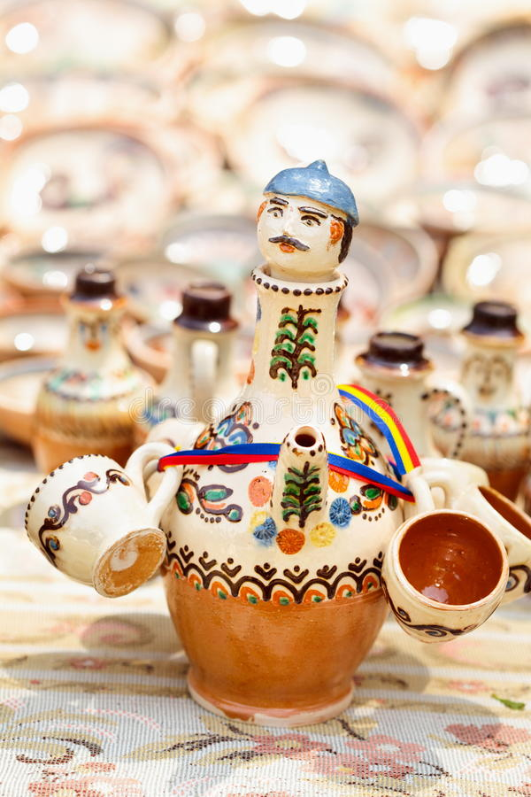 Traditionelle rumänische Tonwaren bei Horezu, Rumänien lizenzfreie stockfotos