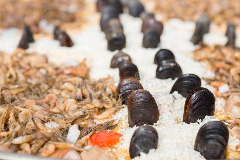 Traditionelle spanische Küchemeeresfrüchtepaella stockfoto