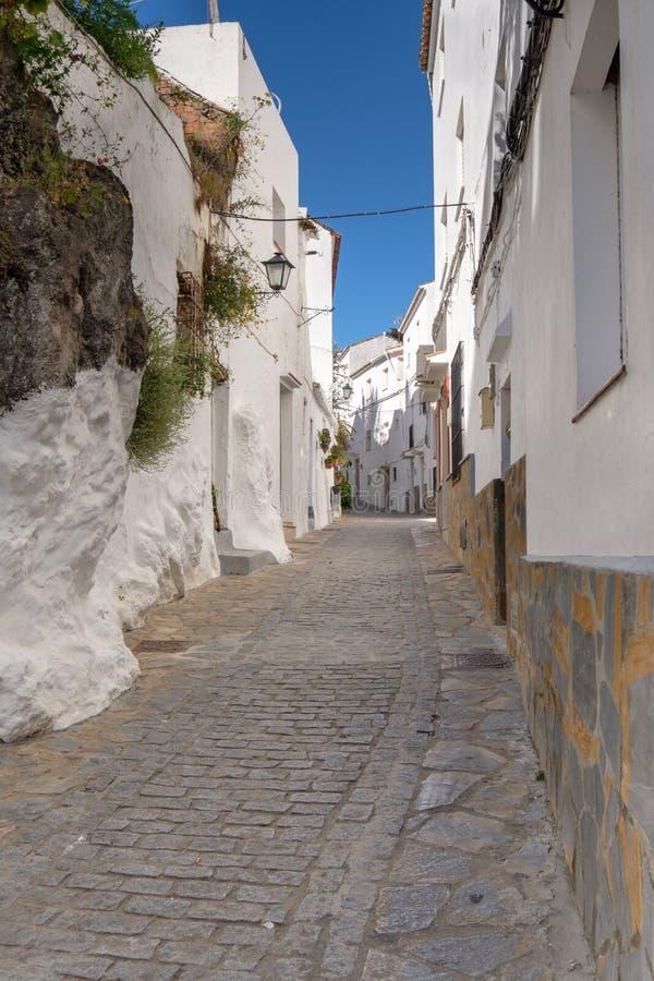 Traditionelle spanische Straße lizenzfreie stockbilder
