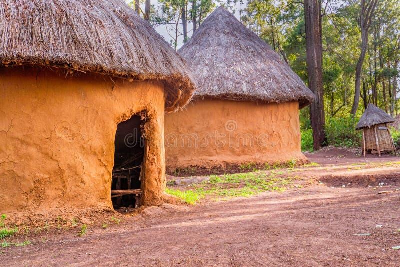 Traditionelle, Stammes- Hütte von Kenyanleuten, Nairobi, Kenia lizenzfreie stockfotografie