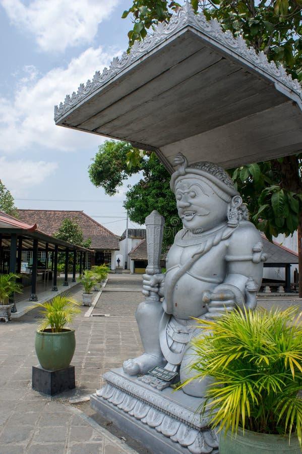Download Traditionelle Statue In Yogyakarta-Palast Stockfoto - Bild von skulptur, himmel: 106801978