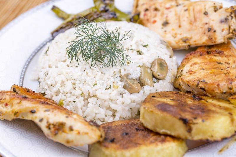 Traditionelle t?rkische Nahrungsmittel; Gem?sereis Baklali Pilav stockfotografie