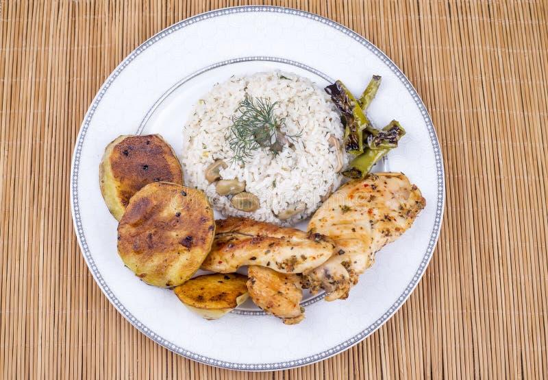 Traditionelle t?rkische Nahrungsmittel; Gem?sereis Baklali Pilav stockfoto