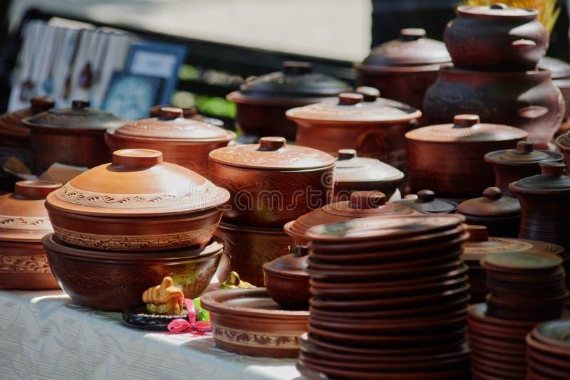 Traditionelle ukrainische Tonwaren stockfotografie