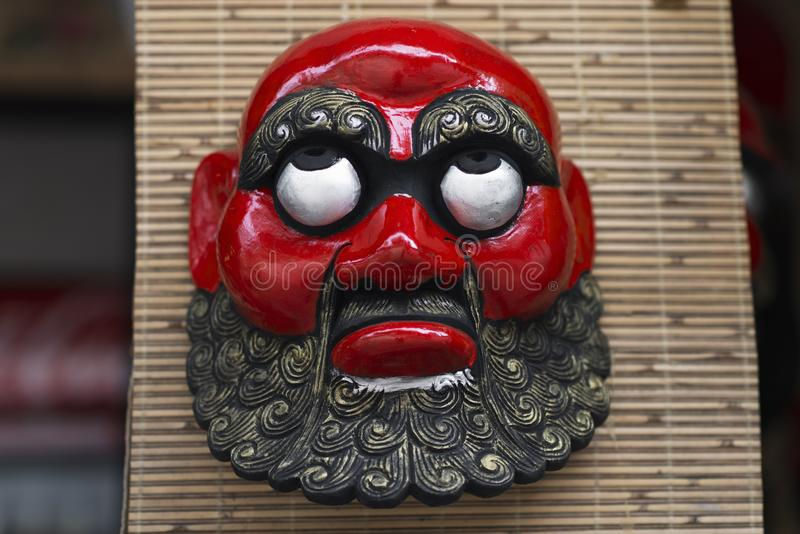 Traditionelle vietnamesische rote Maske, Vietnam stockfoto