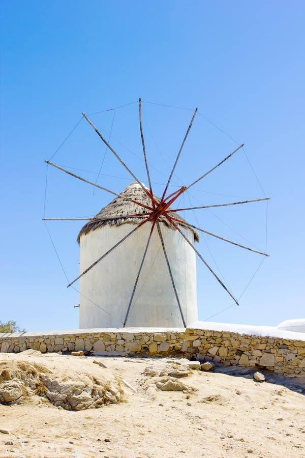 Traditionelle Windmühle in Mykonos lizenzfreies stockbild
