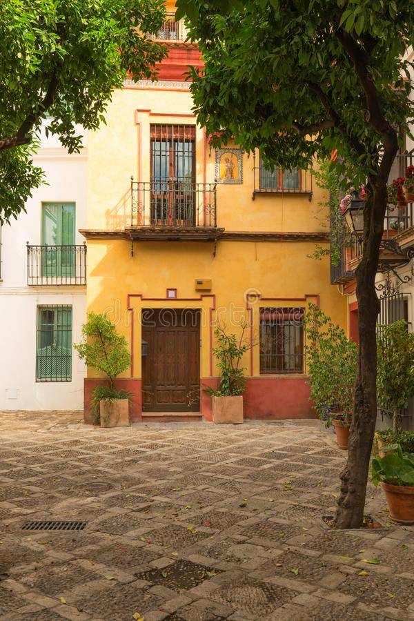 Traditioneller Architekturbarrio Santa Cruz-Bezirk Sevilla-, Spanien - lizenzfreies stockfoto