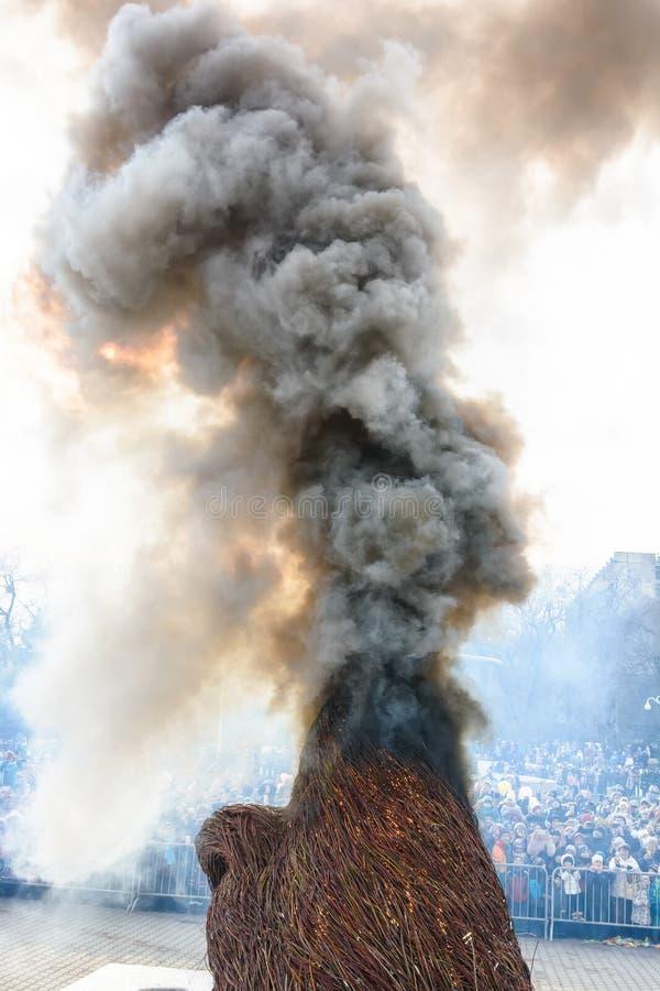 Traditioneller Burning des angefüllten Bildnisses stockfotos