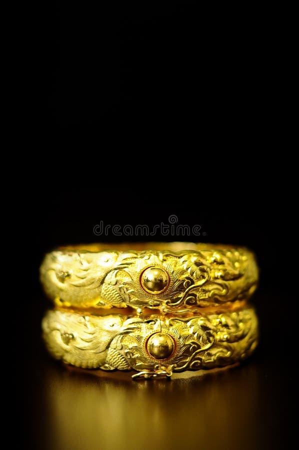 Traditioneller Chinese-Hochzeits-Armbänder stockfotografie