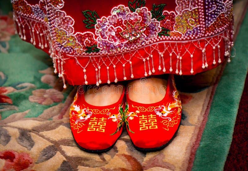 Traditioneller Chinese-Hochzeits-Schuhe stockfotografie