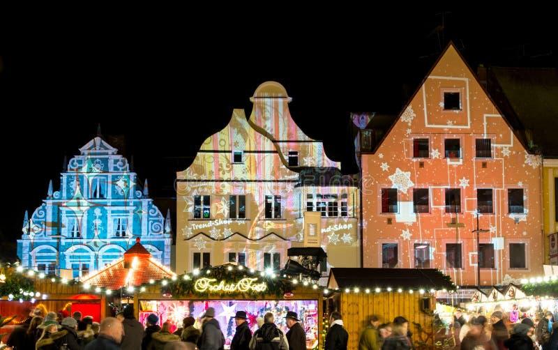 Traditioneller deutscher Weihnachtsmarkt stockfoto