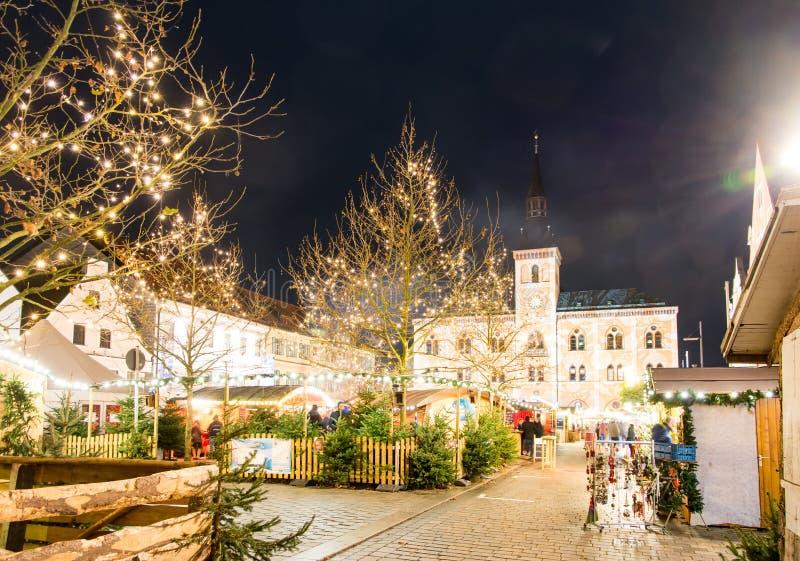Traditioneller deutscher Weihnachtsmarkt lizenzfreie stockfotografie